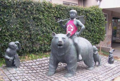 金太郎の像