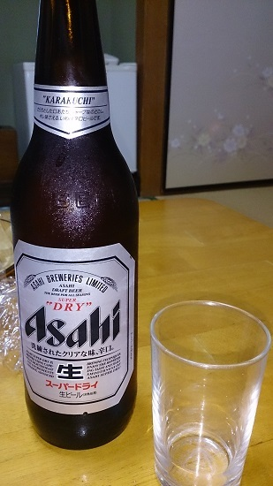 夕食料理 サービスの大瓶ビール