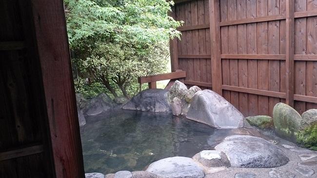 旅館名山 露天風呂2