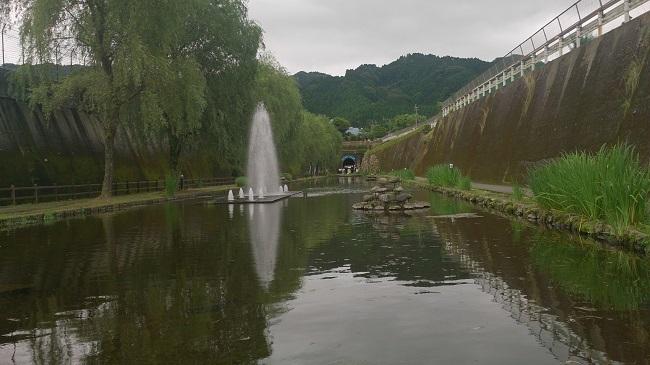 高森湧水トンネル公園1