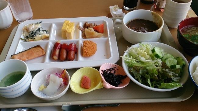 たっぷの湯 朝食バイキング1