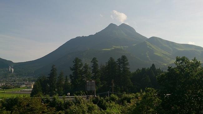 柚富の郷 彩岳館 和洋室 由布岳眺望