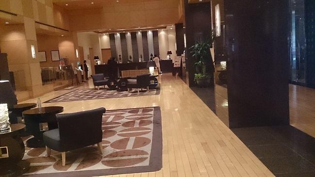 ホテル日航熊本 フロントロビー