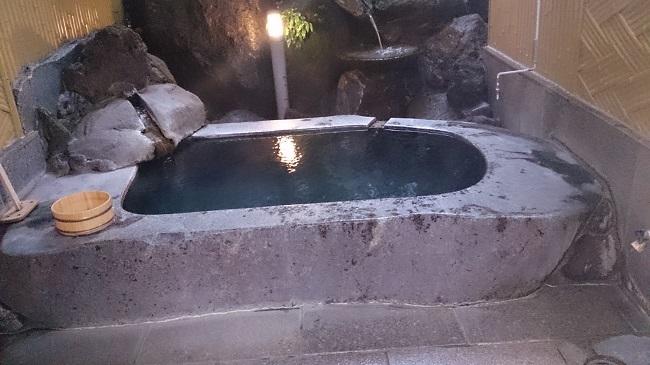 和の宿夢月 貸切風呂 一枚岩風呂