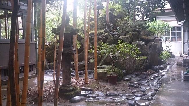 芳野旅館 中庭