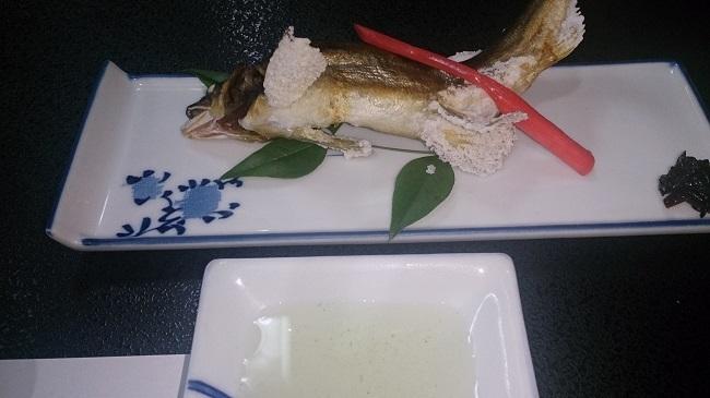 芳野旅館 夕食料理 鮎の塩焼き
