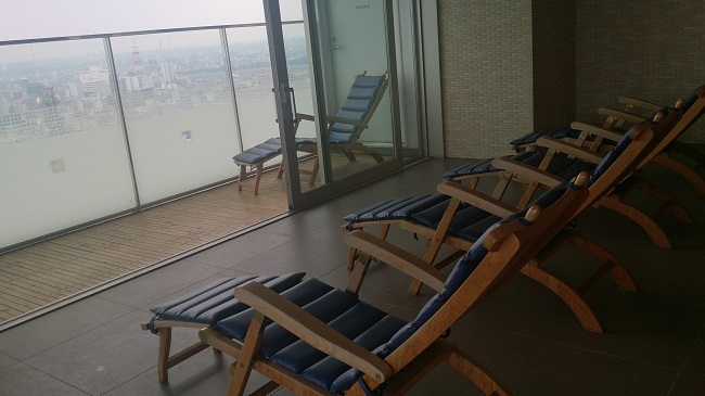 JR九州ホテル ブラッサム大分 天空風呂 湯冷ましチェア