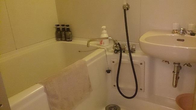 土佐御苑 和室 バスルーム