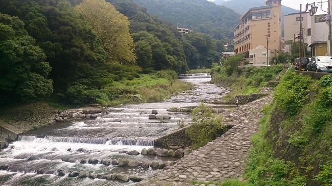 箱根湯本 川沿い1