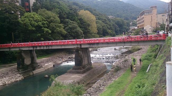 箱根湯本 川沿い2