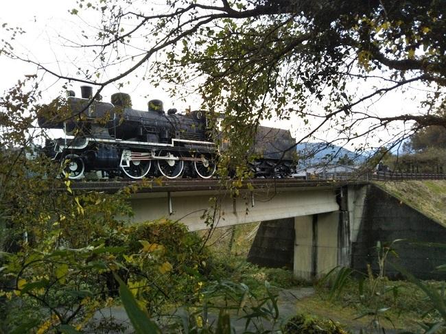 トンネルの駅 SL展示