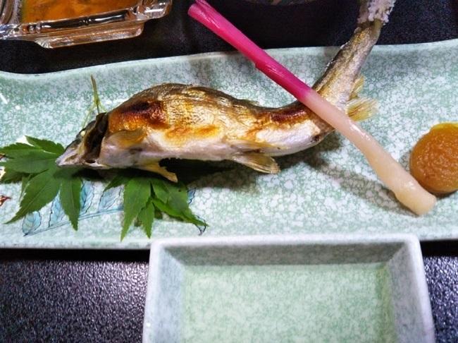 北原荘 夕食 鮎の塩焼き