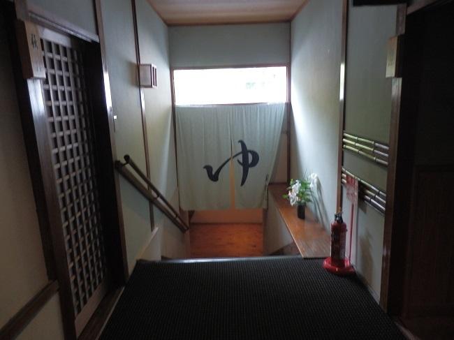 夢龍胆 大浴場への階段