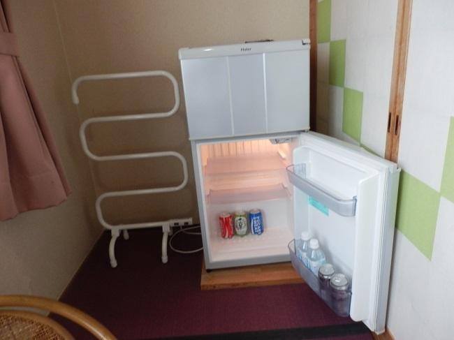 和の宿夢月 部屋 冷蔵庫、タオルハンガー
