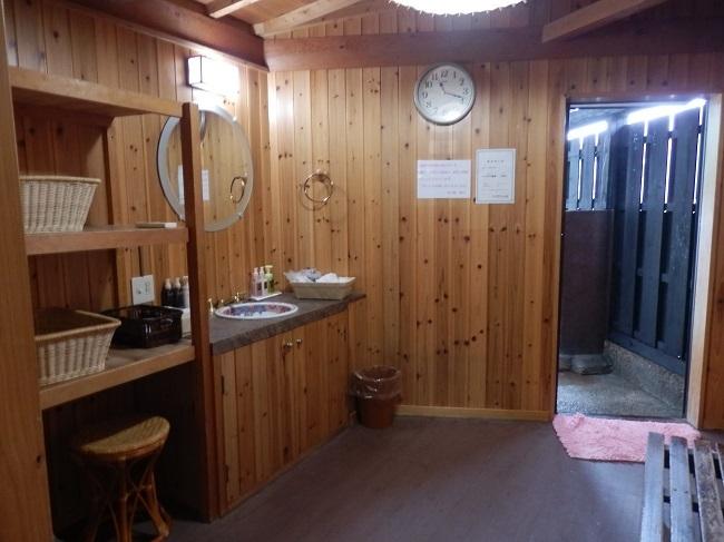 和の宿夢月 貸切露天風呂 脱衣所