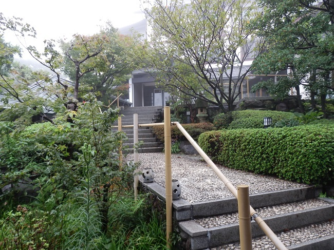 和の宿夢月 庭園階段