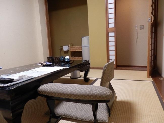 浜膳旅館 部屋 和室2