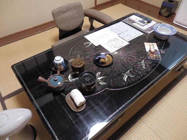 浜膳旅館 部屋 和室 座卓