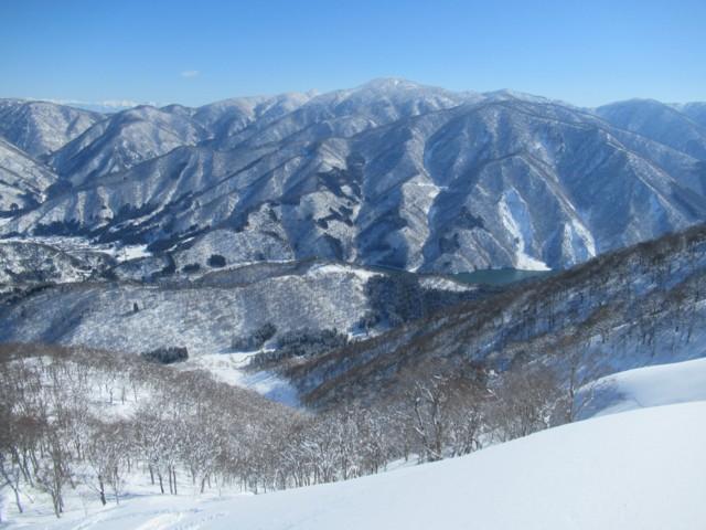 2月4日 正面には猿ヶ馬場山