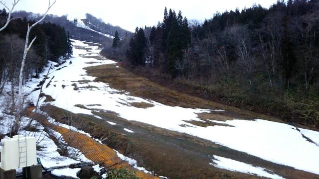 4月15日 人工降雪機無いコース