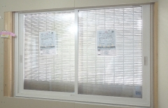 窓 引違と通風雨戸