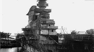 RN_Aquila_1945_Genova.jpg