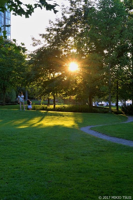 絶景探しの旅 - 0344 夕暮れのハーバーグリーンパーク (カナダ バンクーバー)