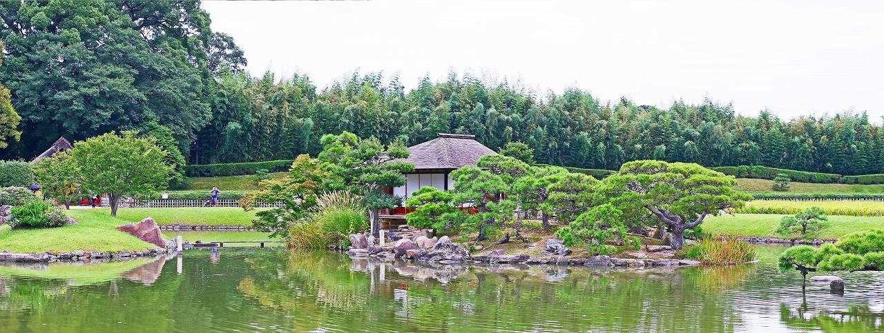 20170922 後楽園今日の曇の園内沢の池中島ワイド風景 (1)
