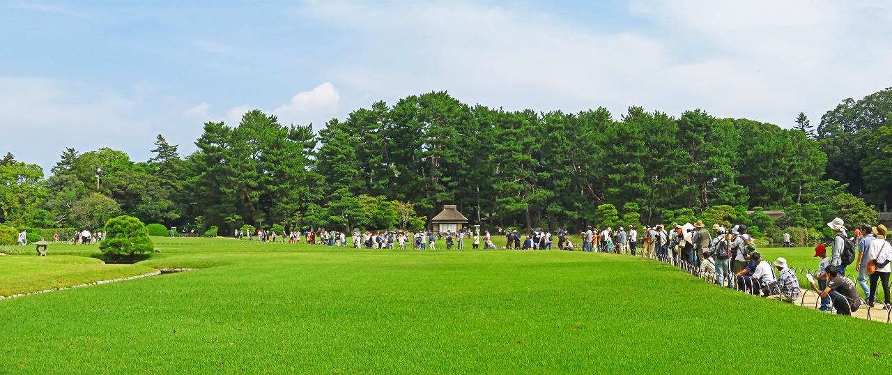 20170924 後楽園今日のタンチョウ散策日のタンチョウを待つ園内ワイド風景 (1)