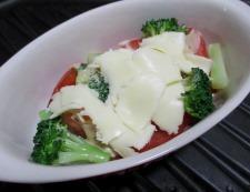 トマトとブロッコリーのオイマヨチーズ 調理⑤