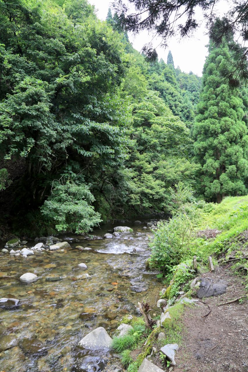 滝流しそうめん近くの川
