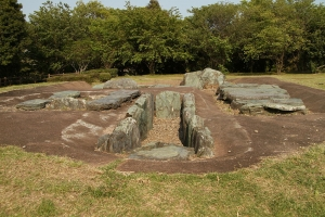 綾羅木郷遺跡石棺