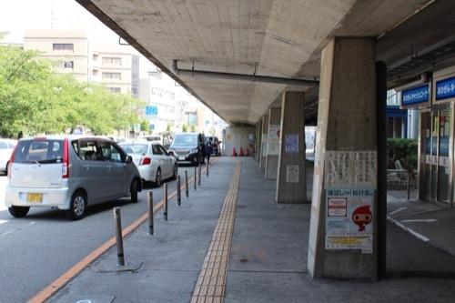 0261:鳴門市庁舎・市民会館 空中回廊の列柱①