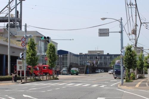 0261:鳴門市庁舎・市民会館 奥手に見える庁舎