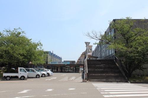 0261:鳴門市庁舎・市民会館 公道から眺める②
