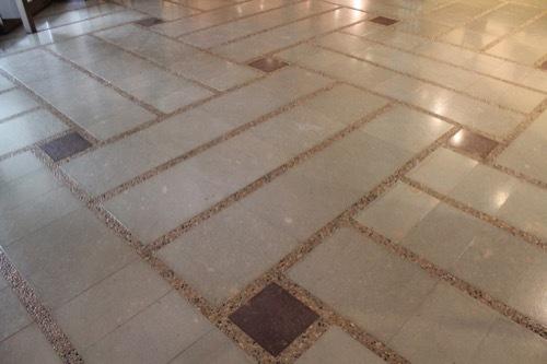 0263:石川県九谷焼美術館 笏谷石の床