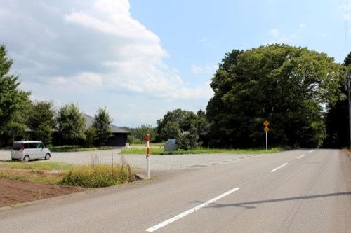 0266:イヴェールボスケ 道路から