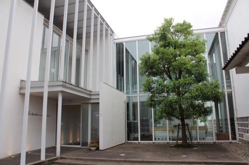 0270:小松市宮本三郎美術館 アプローチ