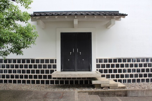0270:小松市宮本三郎美術館 蔵の扉