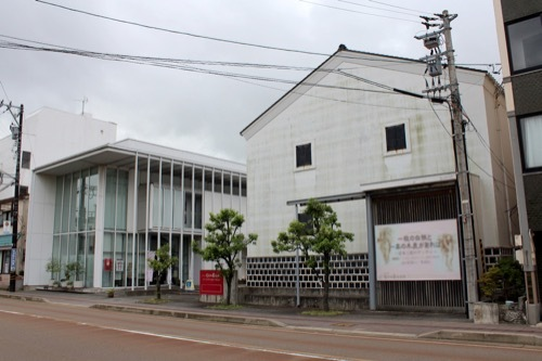 0270:小松市宮本三郎美術館 正面全体外観②