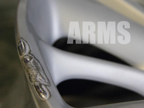 純正ホイールの塗装剥離からアルミ溶接修理