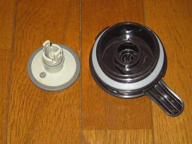 TIGER コーヒーメーカー 真空ステンレスサーバータイプ カフェブラック 8杯用 ACW-S080-KQ 分解後のサーバーフタ