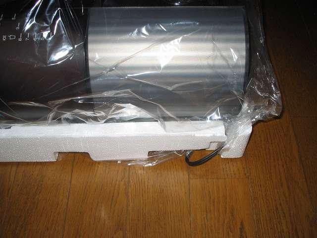 TIGER コーヒーメーカー 真空ステンレスサーバータイプ カフェブラック 8杯用 ACW-S080-KQ コーヒーメーカー本体の裏側に電源コード