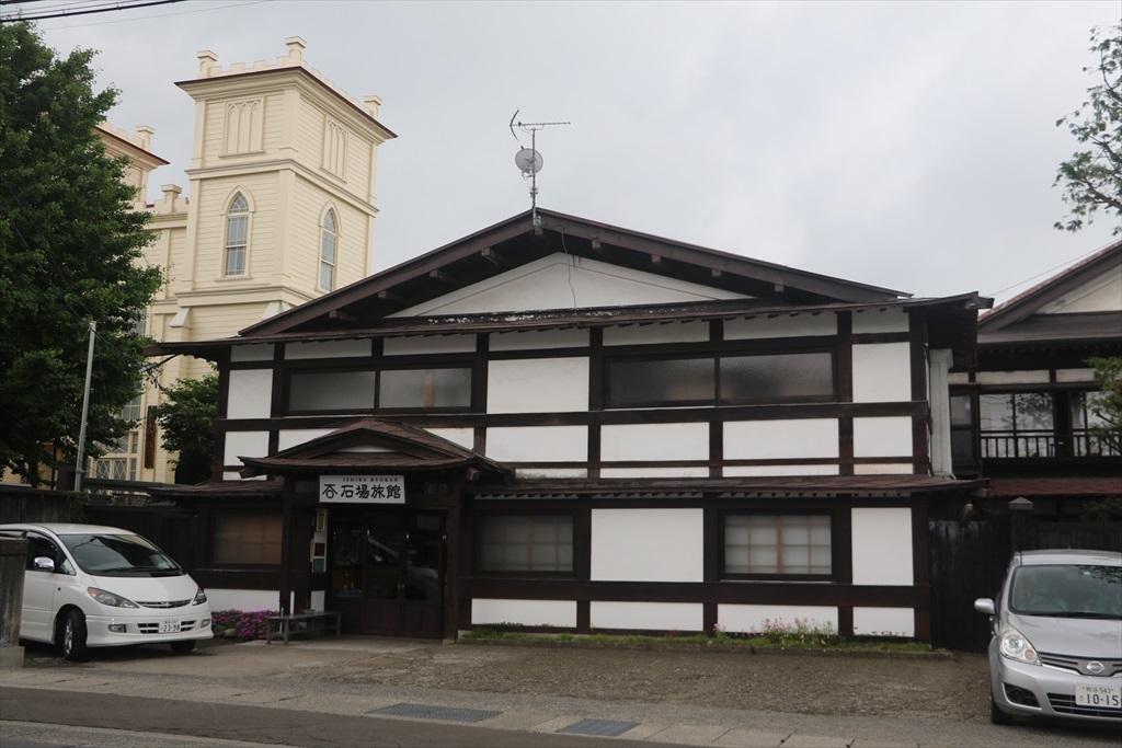 石場旅館…国登録有形文化財