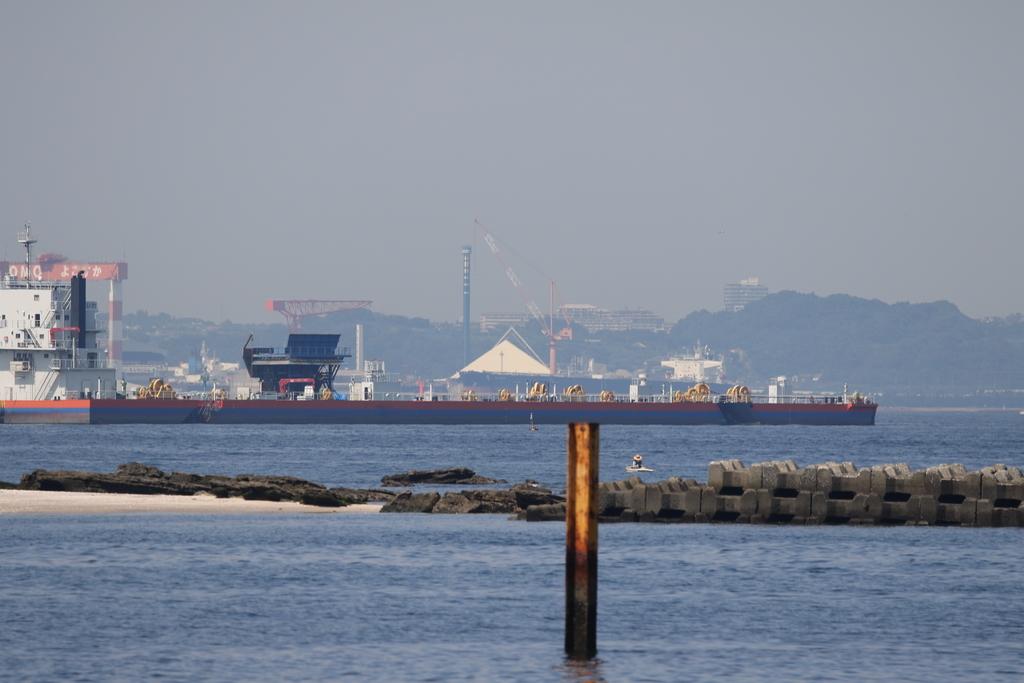 住友の造船施設も結構よく見える_2