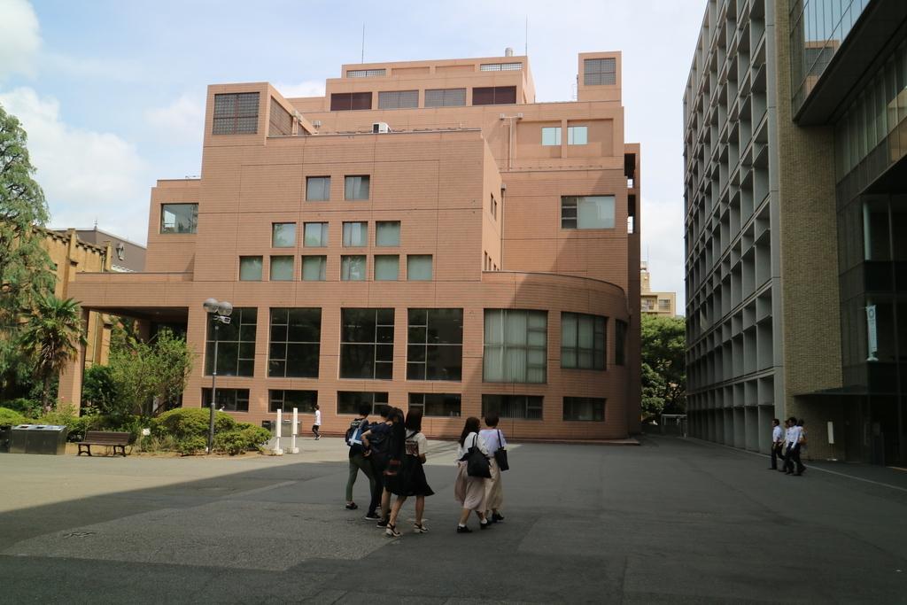 新しい建物(1)_3