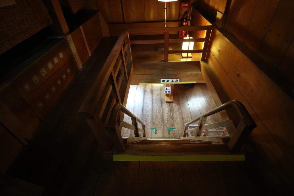 2層目から3層目への階段_1