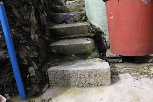半島じゃ清から朝鮮を守って死んでった日本人の墓もたくさんある1