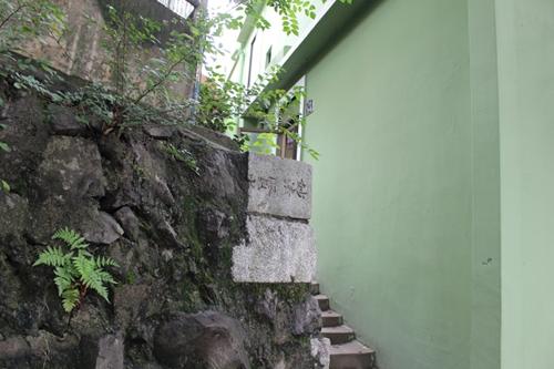 半島じゃ清から朝鮮を守って死んでった日本人の墓もたくさんある3