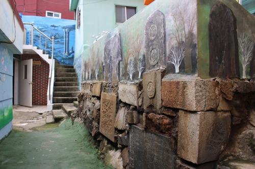 半島じゃ清から朝鮮を守って死んでった日本人の墓もたくさんある5